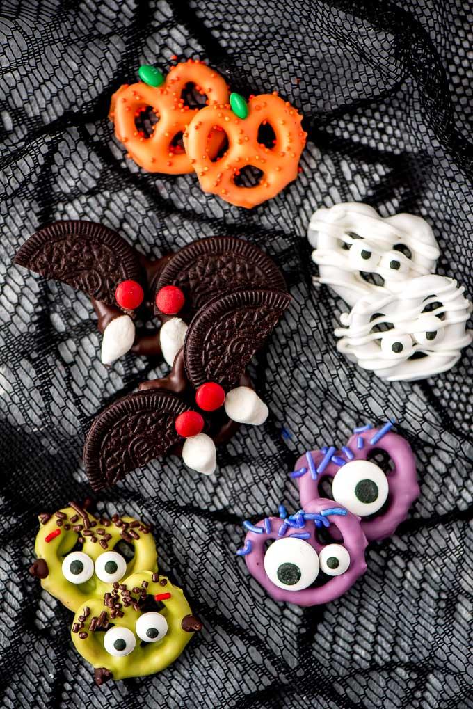 halloween-chocolate-covered-pretzels-12